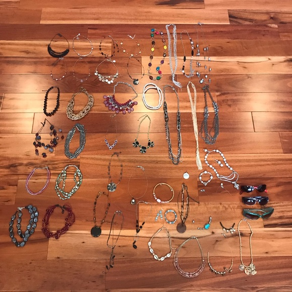 Jewelry 51 Necklaces/Bracelets/Earrings/Sunglasses